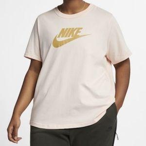 Nike Plus Size Essential Women's T-Shirt